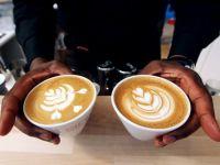 Poezia capata putere monetara: cafea, cumparata cu versuri, in 80 de cafenele din tara