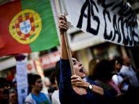 """""""Nu creditorilor, nu foametei"""". Portugalia a iesit in strada pentru a protesta impotriva masurilor de austeritate"""