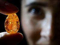 Cel mai mare diamant portocaliu din lume, scos la licitatie