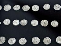 Un lot de 145 de monede de aur dacice, recuperat din Marea Britanie, a fost adus in Romania