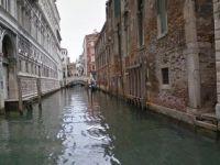 Google Maps ofera, incepand de joi, plimbari Street View prin Venetia
