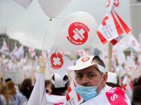 Medicii vor intra, luni dimineata, in greva de avertisment. Ei cer alocarea a 6% din PIB pentru sanatate si o lege a salarizarii in domeniu