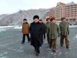 Coreea de Nord  va testa rachete saptamanal , spune adjunctul sefului diplomatiei nord-coreene, care ameninta cu un  razboi total