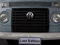 Sfarsitul unei ere. Ultimul Volkswagen Kombi a iesit pe poarta fabricii din Brazilia si a fost vandut in Marea Britanie