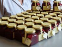 Cum faci peste 500.000 de lei din dulceata, zacusca si biscuiti spritati
