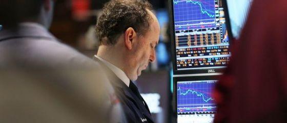 Bursele europene, in scadere. Pietele globale au pierdut 2.900 mld. dolari de la inceputul anului. S P 500, cel mai abrupt declin de la jumatatea lui 2013