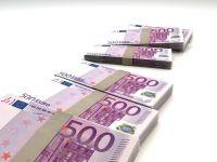 Guvernul amana proiectul de lege care limiteaza tranzactiile in numerar si reduce comisioanele bancare si initiaza discutii cu mediul de afaceri