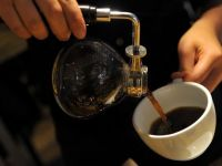 """Este Ziua internationala a cafelei. Americanii o numesc """"soarele lichid"""". Orasele si localurile unde bei cea mai buna cafea din lume"""