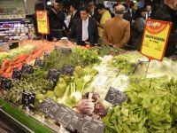 Politicienii vorbesc despre scaderi de TVA la fructe, legume si carne, cu doar cateva luni inainte de europarlamentare. Preturile s-ar reduce cu pana la 15%
