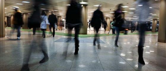 Metroul se transforma in cel mai nou mall din Bucuresti. Doua lanturi comerciale se extind in subteran