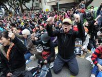 Un acord de liber schimb intre China si Taiwan scoate oamenii in strada. Documentul ar duce la pierderea independentei insulei