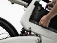 Bicicleta care costa cat o masina. Atinge 45 de km/h si are lumini cu leduri
