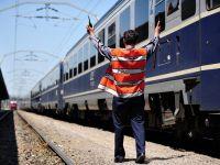 Feroviarii au oprit lucrul. Niciun tren nu a circulat azi intre orele 7.00 si 9.00. Sindicalistii CFR ameninta cu greva generala