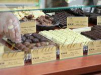 Ciocolata suspecta de salmonella, retrasa dintr-un lant de hipermarketuri din tara