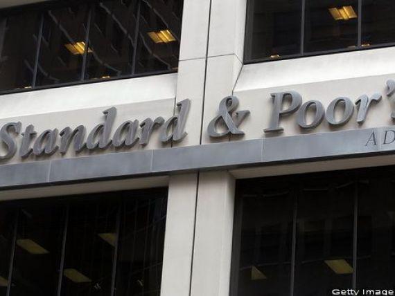 Agenția Standard  Poor s reconfirmă perspectiva stabilă a ratingului României, dar avertizează că există riscuri tot mai mari la adresa economiei