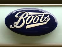Walgreens, cel mai mare lant de farmacii din SUA, cumpara Boots care detine Farmexpert. Cu mutarea sediului fiscal americanii vor economisi miliarde de dolari la plata taxelor
