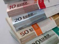 Guvern: Romania prefinanteaza partial, prin eurobonduri vandute marti, necesitatile externe din 2015. Finantele au atras 1,5 mld. euro prin vanzarea acestora la un randament minim record