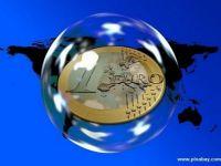 Euro a coborat la cel mai scazut nivel din ultimii noua ani fata de dolar