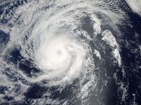 Hawaii, pe traiectoria a doua uragane, care vor lovi insulele in urmatoarele 48 de ore