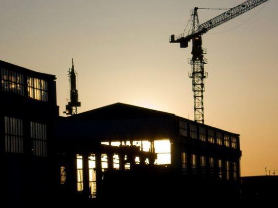 Lucrarile de constructii au scazut cu peste 5%, in luna august. Declinul, generat de scaderea masiva a lucrarilor de reparatii capitale
