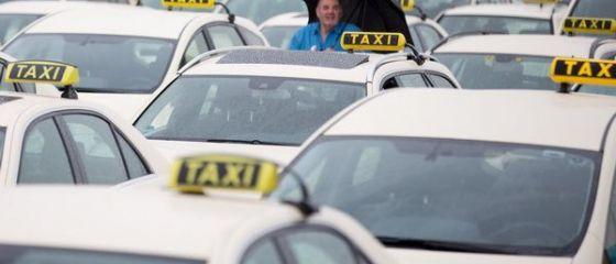 Uber, interzisa in Germania, in urma plangerilor companiilor de taxi