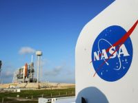 "NASA a ales Boeing si SpaceX sa construiasca ""taxiuri spatiale"", de 7 mld. dolari total, pentru a pune capat dependentei de capsulele rusesti"
