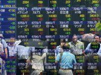 Fitch a pus sub supraveghere negativa ratingurile privind datoriile Japoniei. A treia economie a lumii, pentru a treia oara in recesiune