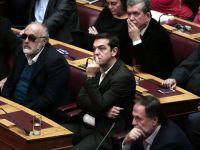 Bursa de la Atena se prabuseste, dupa a treia incercare esuata de a alege presedintele Greciei. Investitorii se tem ca partidul extremist Syriza va ajunge la putere