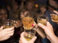 Englezii, germanii si rusii, cei mai mari consumatori de alcool in barururile si romanesti; romanii, pe locul 4. Englezoaicele beau la fel de mult ca barbatii