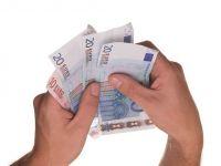 Inflatia din Romania, aflata la un minim-record, a fost cea mai ridicata din UE. Criza din Europa se indreapta catre o noua etapa, deflatia