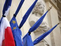 """Atentatele de la Paris intaresc miscarea eurofoba. Marine Le Pen sustine ca Franta este """"slabita"""" in fata terorismului din cauza apartenentei la UE"""