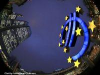 """Ce spun economistii prezenti la Davos despre miscarea istorica a BCE, de a injecta 1 trilion de euro in economie. Roubini: """"Programul de relaxare cantitativa, insuficient"""". Pozitia FMI"""