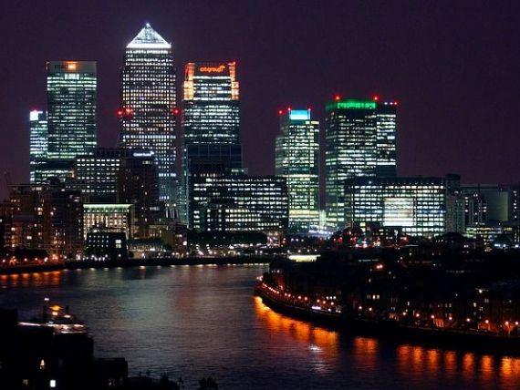 Salarii la stat: cat castiga seful Fiscului; se schimba Codul Rutier: ce se intampla cu masinile inmatriculate in Bulgaria; peste 10.000 de antreprenori romani si-au dus afacerile la Londra