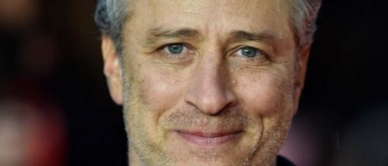 Vedeta TV Jon Stewart se retrage de la carma emisiunii  The Daily Show  difuzata de postul Comedy Central, dupa 16 ani
