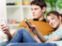 [Studiu] Reclamele second screen capteaza atentia mai usor decat reclamele TV