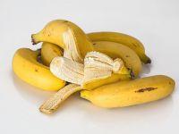 Iadul pe piata muncii: sa ai proiecte, dar sa nu poti sa le executi, pentru ca nu gasesti angajati; Romania, tara bananiera: producatorii exporta mai multe banane decat fructe autohtone; cat castiga un receptioner in Dubai
