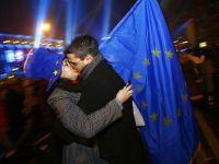 """Zece ani de la cel mai important moment din istoria postdecembrista: semnarea Tratatului de aderare la UE. Cum a evoluat Romania in ultimul deceniu, intre revelatia Europei si """"ratusca cea urata"""""""