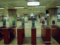 Metrorex modernizeaza accesul la metrou cu 150 mil. lei, fara TVA. Cum vor arata validatoarele