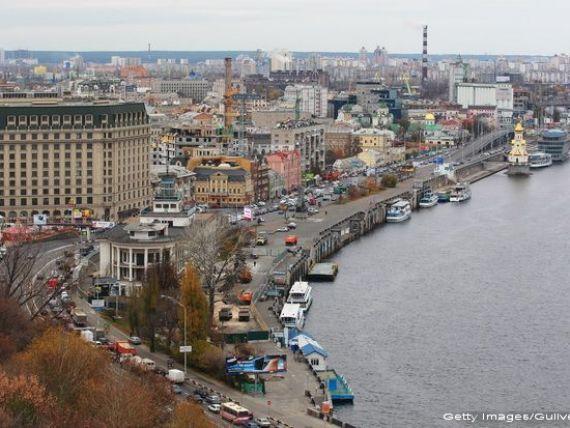 Economia Ucrainei se prabuseste. FMI anunta o cadere si mai mare a PIB: -9% in 2015