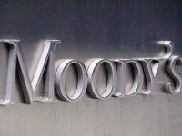 Moody rsquo;s avertizeaza ca ar putea retrograda Romania:  Politica fiscala relaxata va avea impact negativ asupra finantelor publice si datoriei, si prin urmare, asupra ratingului