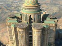 45 de etaje, 10.000 de dormitoare, 70 de restaurante si o investitie de 3,6 mld. dolari. Cel mai mare hotel din lume se deschide in mijlocul desertului