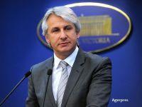 Teodorovici: Educaţia financiară ar trebui începută de la cel mai înalt nivel. În Parlament se fac propuneri  habarniste