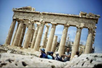 Lovitura de care Grecia nu avea nevoie. Ce se întâmplă la Atena, după prăbușirea monedei din țara vecină