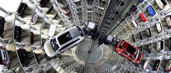 UE impotriva Volkswagen. CE vrea sa oblige grupul german sa acorde europenilor despagubiri, pe modelul american, in scandalul emisiilor poluante