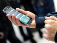 De cate ori isi verifica romanii dispozitivul mobil in 24 de ore