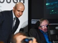Stephen Hawking: Trei amenintari care ar putea distruge specia umana
