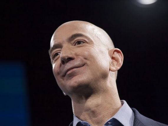 Cel mai bogat om al planetei donează două mld. dolari din avere familiilor fără adăpost