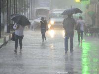 Cod galben de ploi puternice în Capitală și 17 județe. Pericol de inundaţii în 4 județe