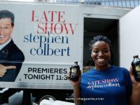 The Late Show : Colbert preia stafeta de la Letterman in fruntea celui mai popular program de televiziune