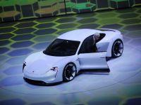 """Masinile cu """"emisii zero"""", mai numeroase ca niciodata la Salonul de la Frankfurt. Porsche si Audi au facut senzatie"""